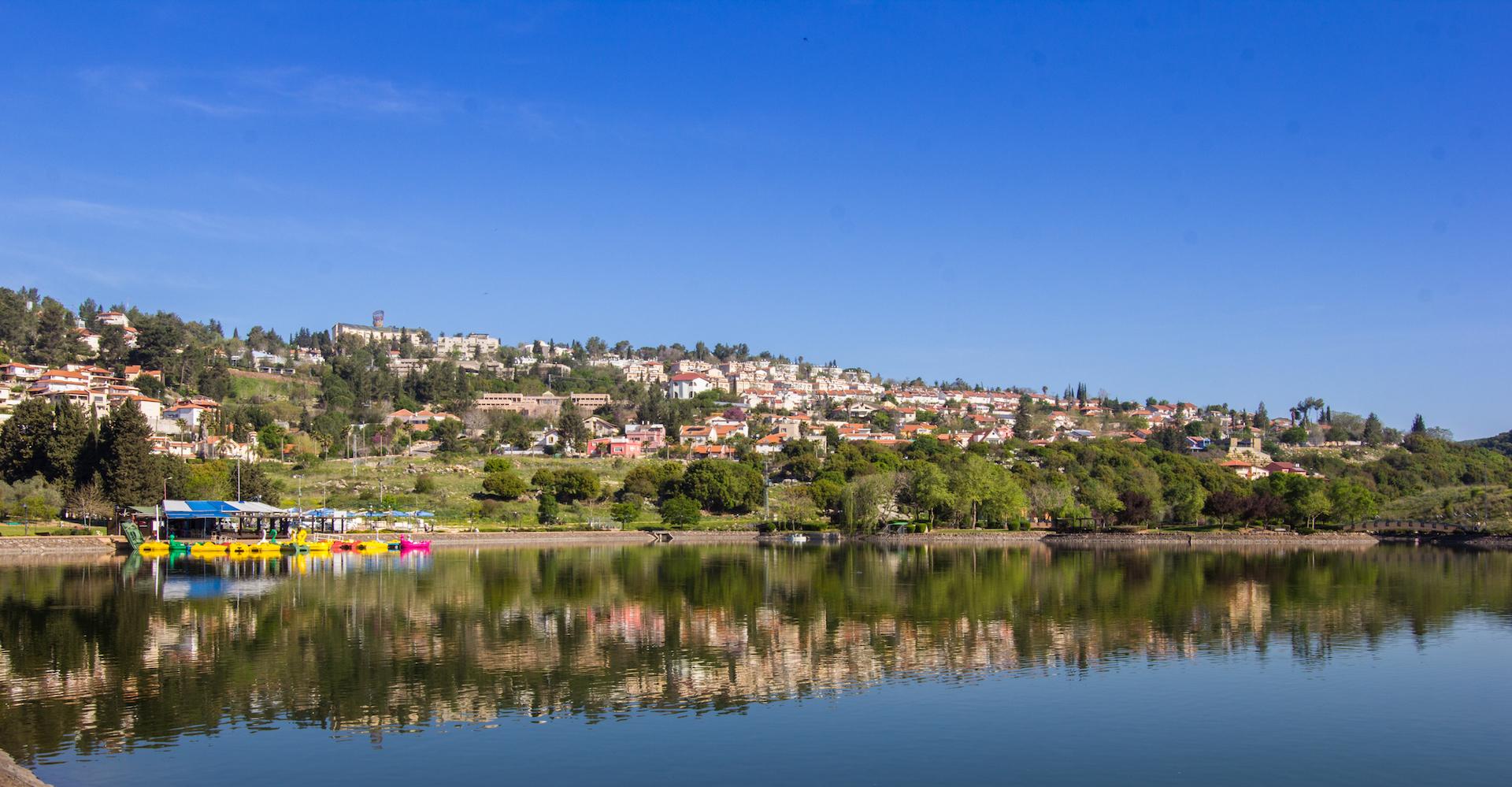 אגם מונפורט (צילום: ניסן חנניה)