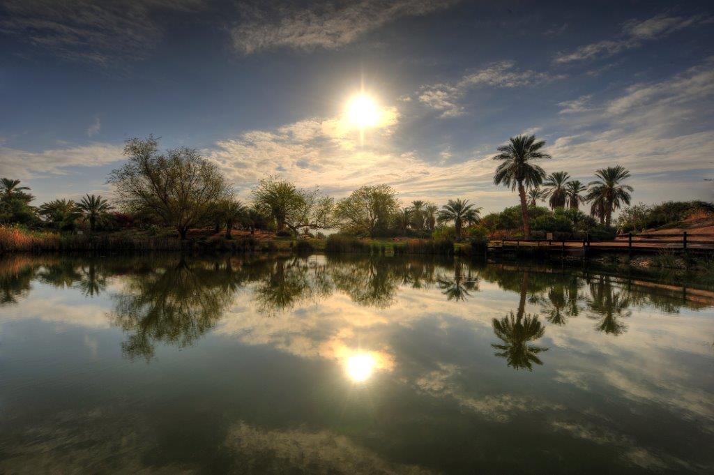 שקיעות מרהיבות באגם המדברי (צילום: גלעד לבני)