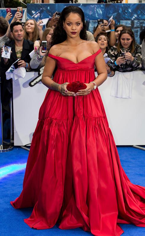 """ריהאנה. """"לא תראה את מודל היופי הזה על המסלול, אבל זה לא קשור לאיך שאנשים רוצים להיראות ולהתלבש"""", אמרה שולמן (צילום: AP)"""