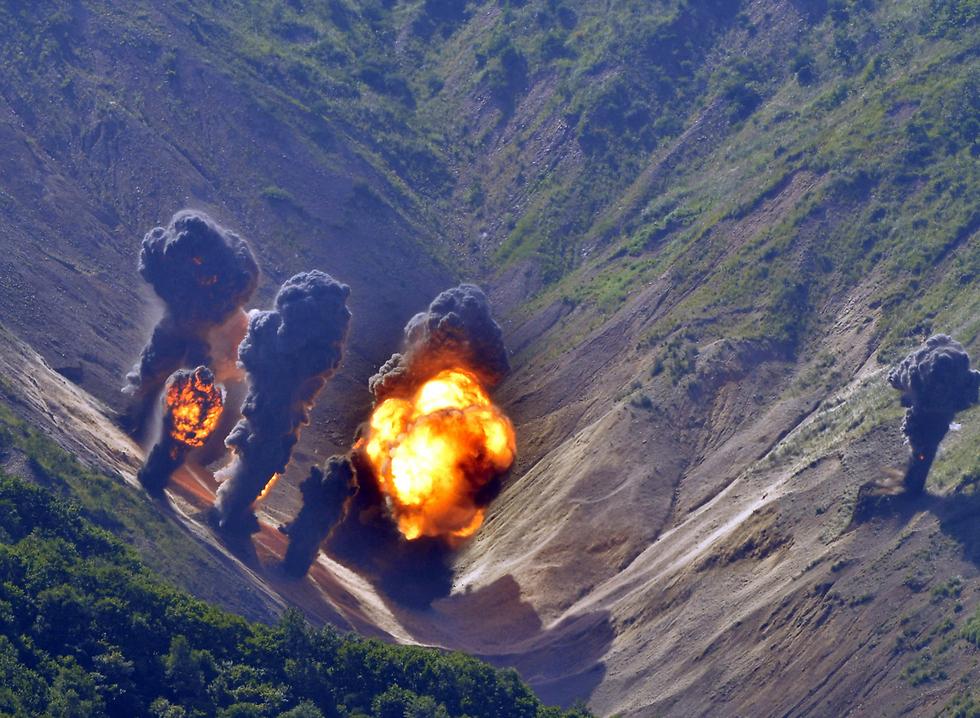 תרגיל הפצצות של מטוסי F-35 ו-B-1B בדרום קוריאה (צילום: EPA)