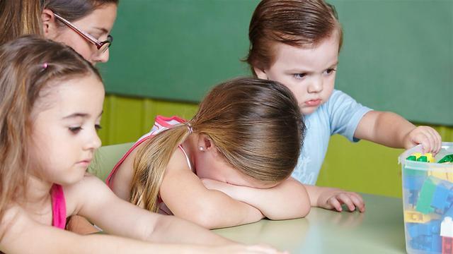 יש ילדים שקשה להם עם מסגרות והוראות (צילום: shutterstock) (צילום: shutterstock)