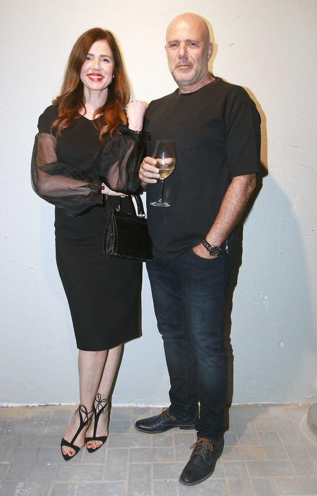 ערב טוב גם לכם. רונית יודקביץ' ובן הזוג (ענת מוסברג)