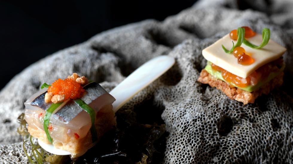 """המנה של השף Mitsuharu Tsumura ממסעדת מיידו בלימה שבפרו (צילום: יח""""צ)"""