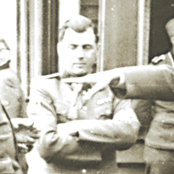 מנגלה במדי אס־אס, אושוויץ, 1944