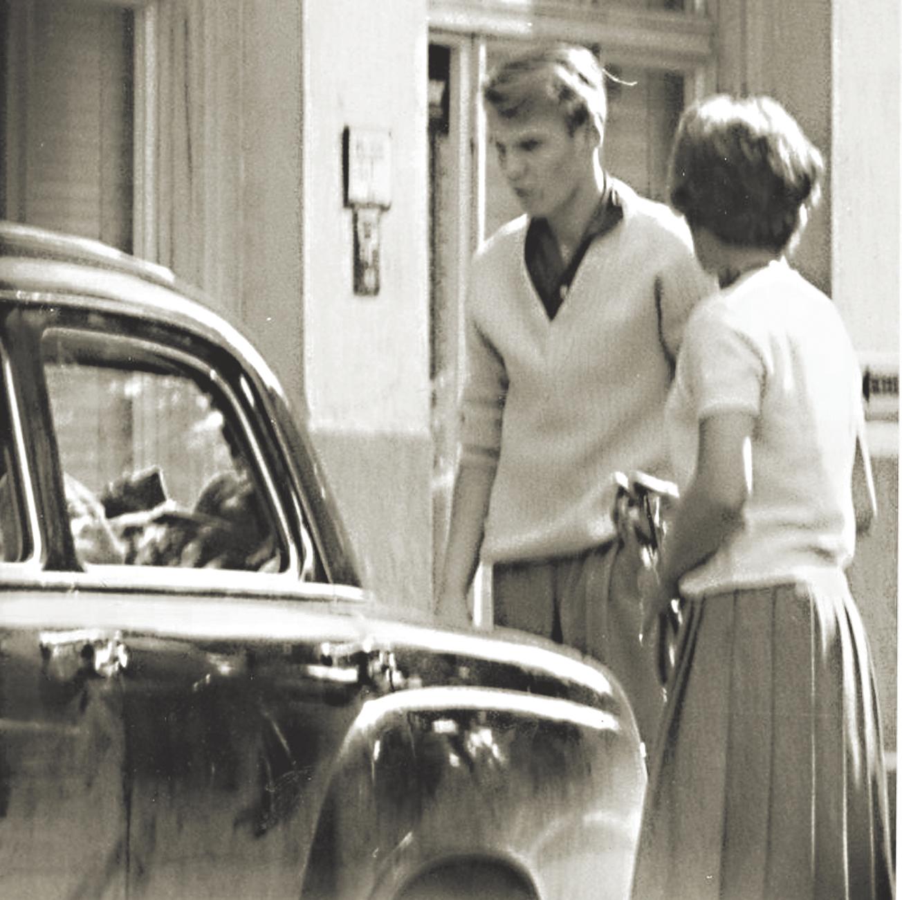 מרתה עם בנה, קרל־היינץ