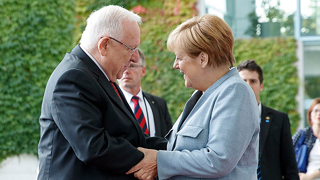 Rivlin and Merkel meet in Berlin (Photo: EPA)