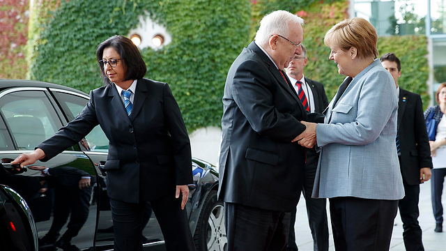 President Rivlin and Angela Merkel (Photo: EPA)