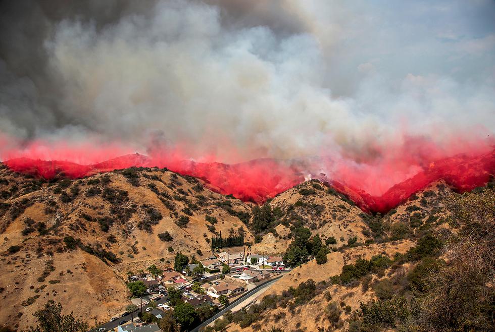 שריפה בברבנק, קליפורניה (צילום: רויטרס)