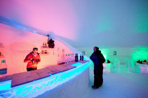 מלון שכולו קרח