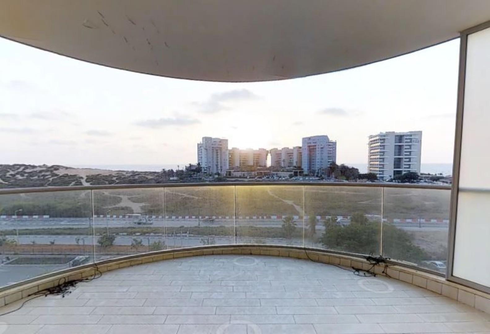 הנוף הנשקף מהדירה (צילום: v360 )
