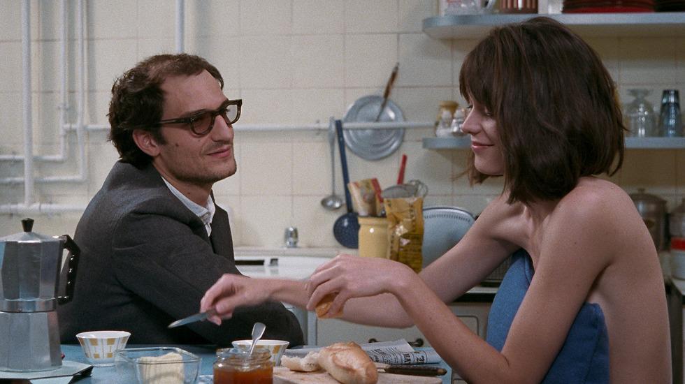 """""""התספורת סייעה לי ליצור את המתח שאפיין כל כך את גודאר"""". מתוך הסרט"""