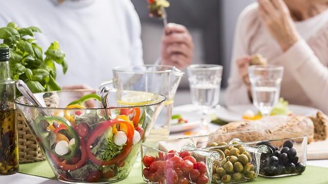 כמה שומנים כדאי לאכול כדי להישאר בריאים? (צילום: shutterstock)