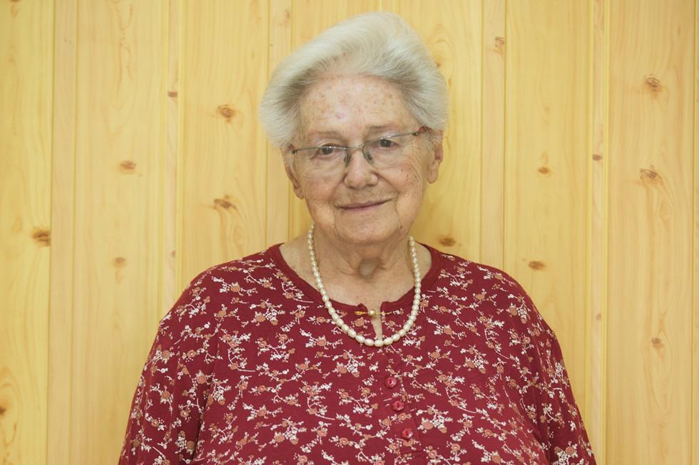 טובה בן יהודה, בת 92, גמלאית, אלמנה, אם לשלושה, סבתא לעשרה נכדים וסבתא רבתא לשמונה נינים. מתגוררת בכפר החורש. ב־7 בספטמבר השתתפה בכנס מעפילים במלאת 70 שנה להפלגת אקסודוס (צילום: גיל נחושתן)