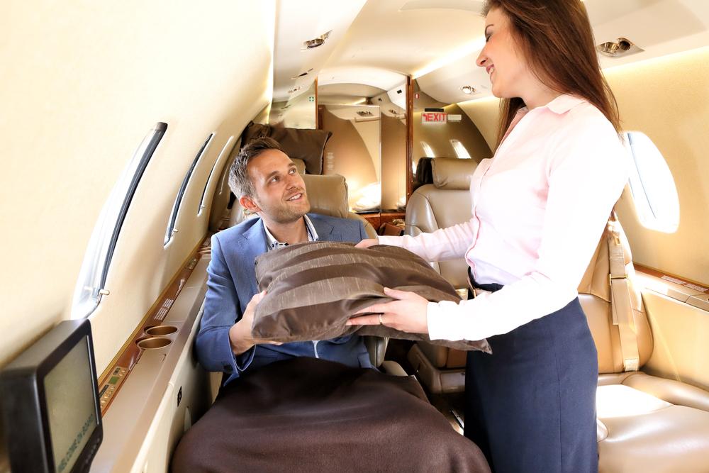 עוד שבירת שיא: תשלום עבור השמיכה במטוס (shutterstock) (shutterstock)