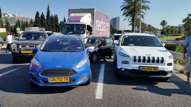 חסימת הכניסה לחיפה (צילום: אליס הימן)