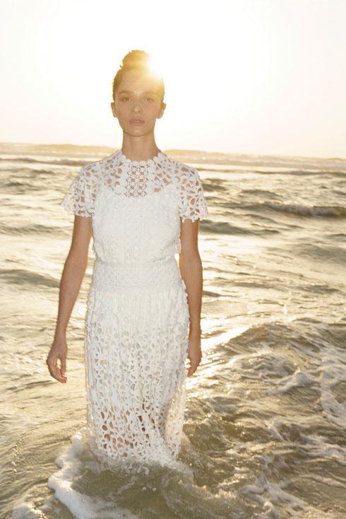 """""""כל יום אני לומדת מה אני צריכה ומה לא, מה לא טוב לי"""". שמלה, סבינה ל""""בנקר"""", 1,499 שקל (צילום: רון קדמי, סטיילינג: מזל חסון)"""