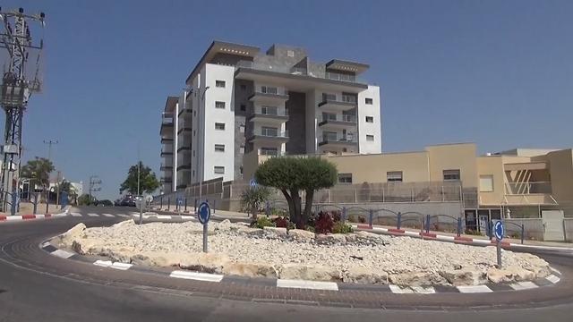 שדרות. דירת 4 חדרים נמכרה ב-1.075 מיליון שקל ()