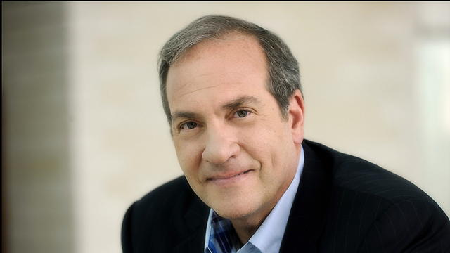 """הרב יחיאל אקשטיין מהקרן לידידות: """"הממשלה מפקירה את אזרחיה"""" (צילום: יוסי צבקר)"""