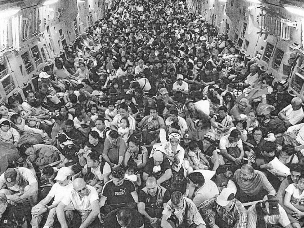 כמעט 2000 יהודים מתימן. התמונה שהזכירה לקפטן את הטיסה מעדן לישראל