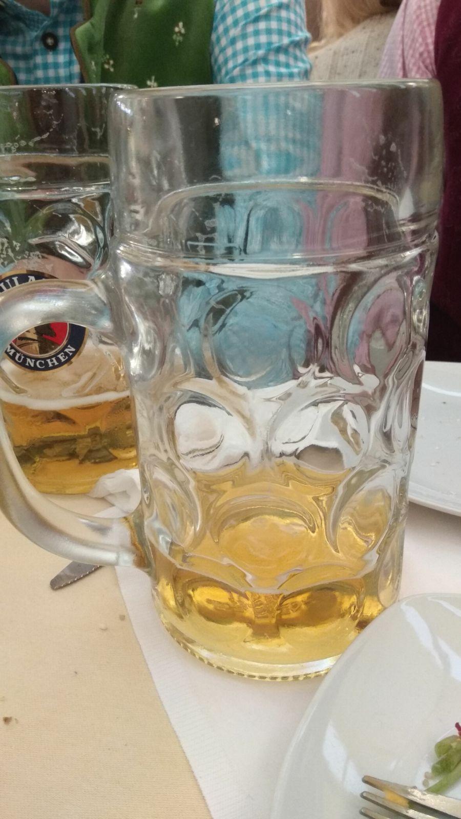 כוס ליטר בירה - אין בפחות מזה