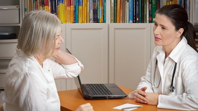 מתי חייבים לפנות לרופאה?  (צילום: shutterstock) (צילום: shutterstock)