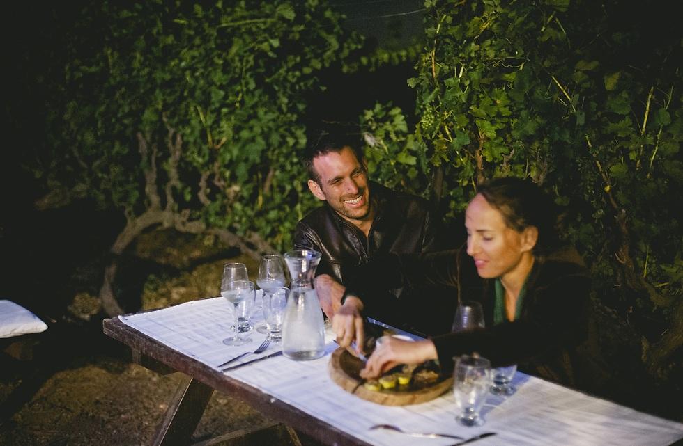 הרגע הכי טוב בסיור: טעימות היין והגבינות בכרם בראון (צילום: עדי פרץ)