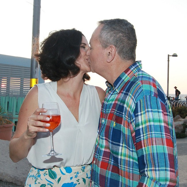 מזל טוב חמודים. שלמה בראבא ומעכשיו אשתו שמר גאון (צילום: ענת מוסברג)