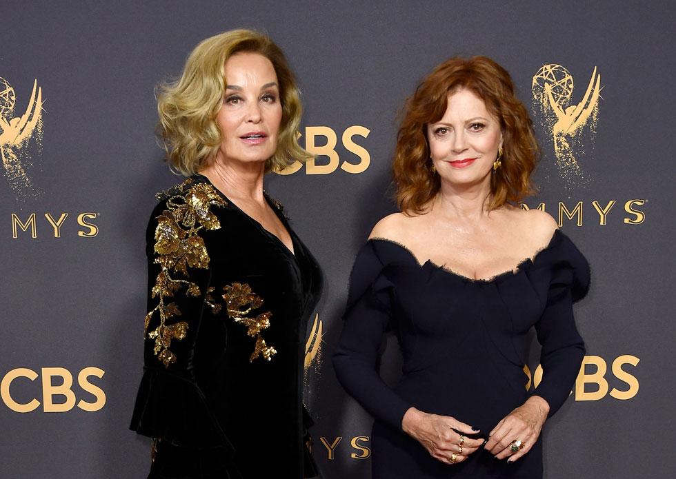 מפגיזות בשמלות אלגנטיות. סוזן סרנדון וג'סיקה לאנג (צילום: Gettyimages)