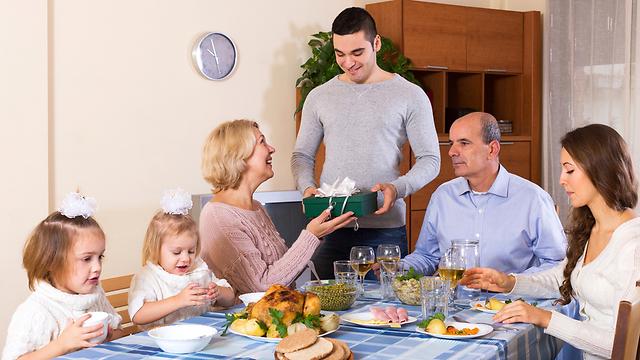 המפגש המשפחתי מבליט את החוסר ומדגיש את ההפסד (צילום: Shutterstock)