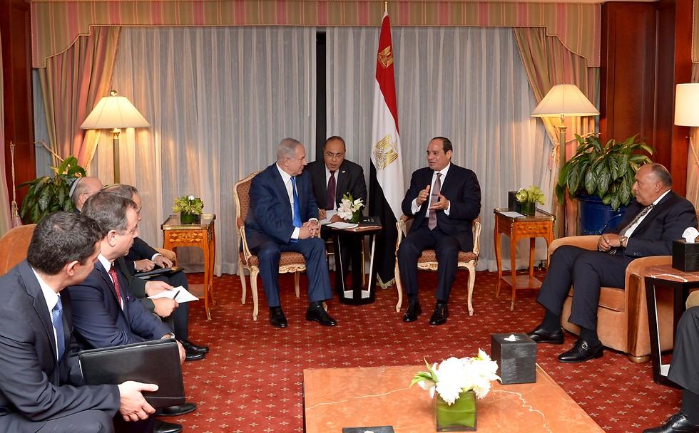 Netanyahu and al-Sisi meet in New York (Photo: Avi Ohayon, GPO)