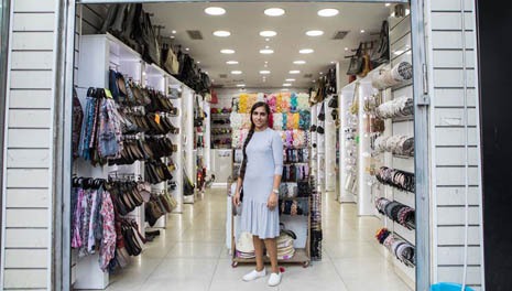 Модный магазин в Бней-Браке. Фото: Орит Пнини
