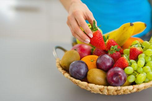 פרי במקום פרלין: נסו ותהנו (צילום: Shutterstock)