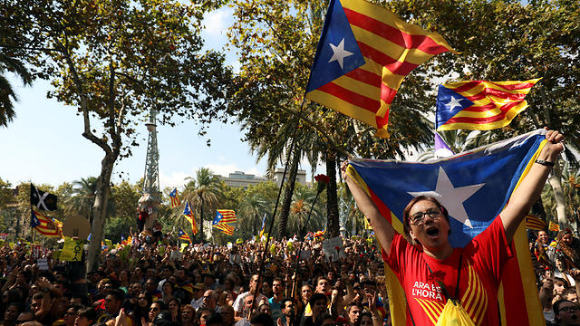Pro-independence rally at Catalonia's capital, Barcelona (Photo: Reuters)