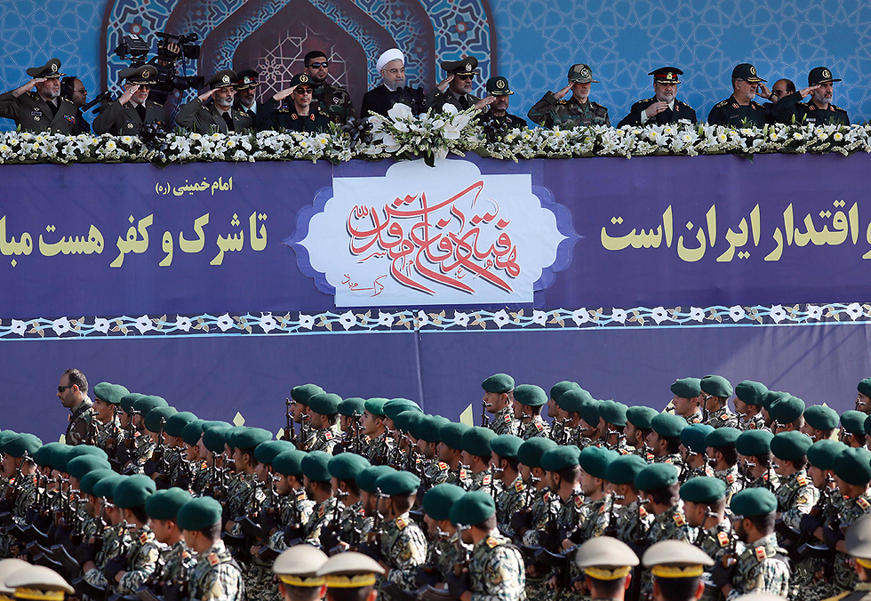 Iranian leaders and Revolutionary Guards. A top political and security challenge to the Israeli government (Photo: AFP)