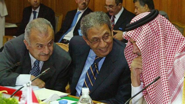 Jordan's Minister of Foreign Affairs Abdel IIah al-Khatib, Secretary General of the Arab League Amr Moussa and Saudi Foreign Minister Prince Saud al-Faisal prior to an Arab League session on the Arab Peace Initiative in April 2007 (Photo: AFP)