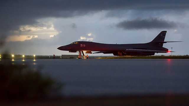 US bombers before taking off for flight near North Korea (Photo: AP, Tech. Sgt. Richard P. Ebensberger/US Air Force)