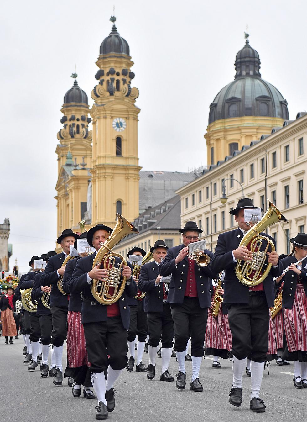 פסטיבל הבירה אוקטוברפסט במינכן, גרמניה (צילום: gettyimages)