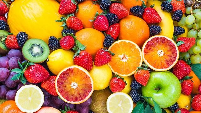שמירה על המשקל. אכילת פירות (צילום: shutterstock) (צילום: shutterstock)
