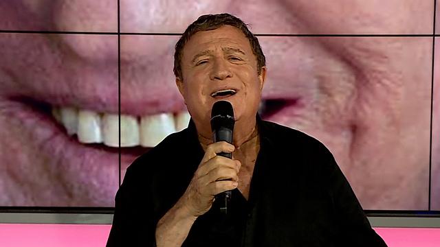 """""""לא מתחבר למוזיקה שמשמיעים היום"""". יהורם גאון באולפן ynet (צילום: אלי סגל)"""