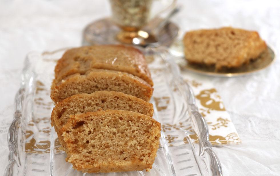 עוגת דבש ותפוחים בחושה מ-5 מרכיבים (צילום: דורית מנו-טל אור)