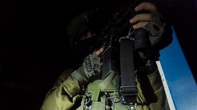 Sayeret Tzanhanim soldiers train in Kibbutz Sa'ad (Photo: IDF Spokesman's Office)