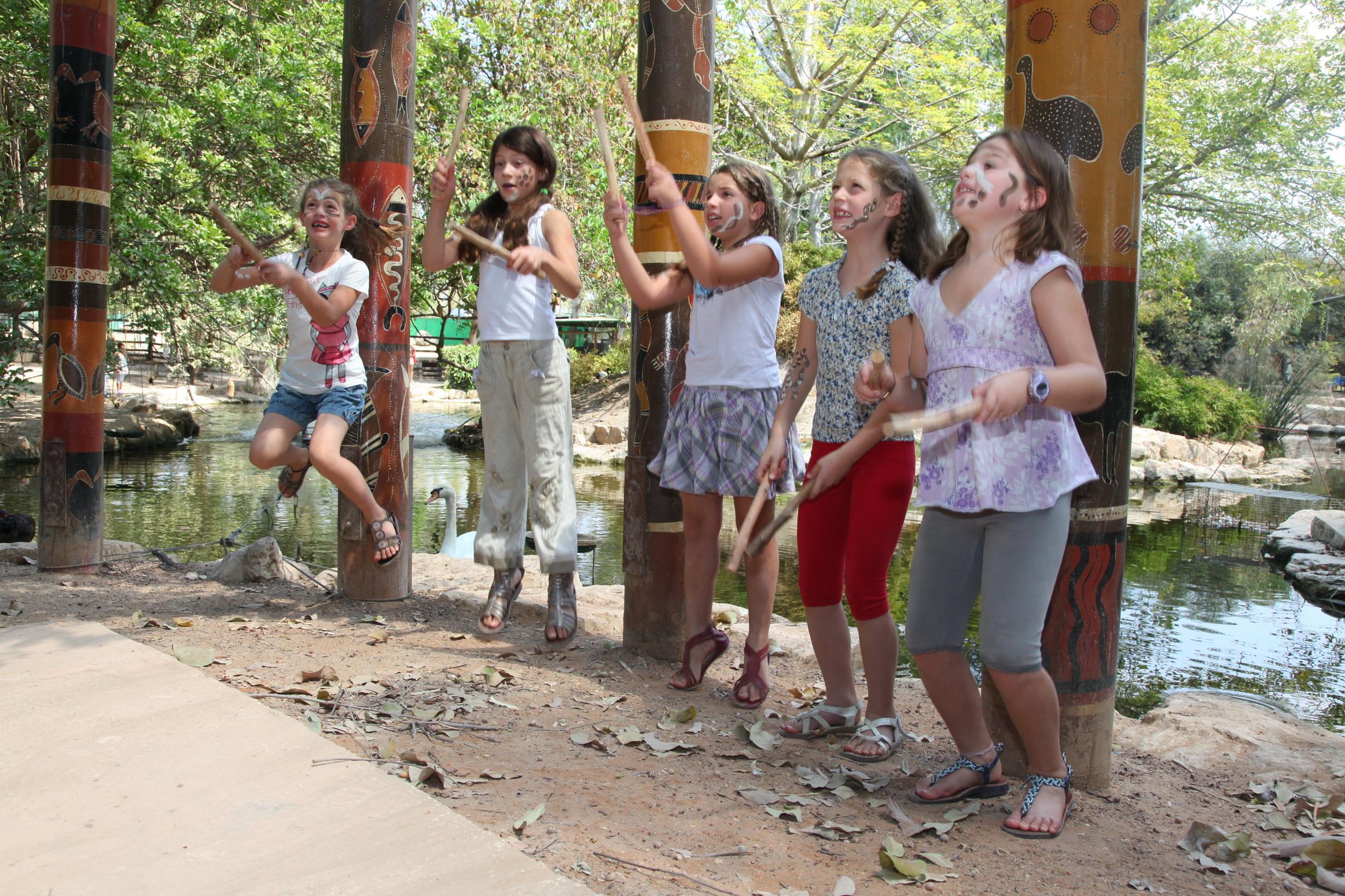 להפוך לאבוריג'ינים בסוכות, גן גורו (צילום: אילן לורנצי)