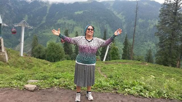 דרורה כהן בטיול בהודו (מתוך האלבום המשפחתי ) (מתוך האלבום המשפחתי )