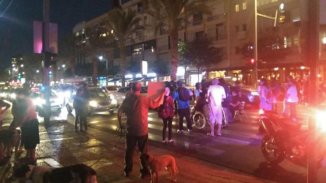 אחד הארגונים מתנגד להסכם. החסימה אמש בכיכר רבין (צילום: יעל ניצן)