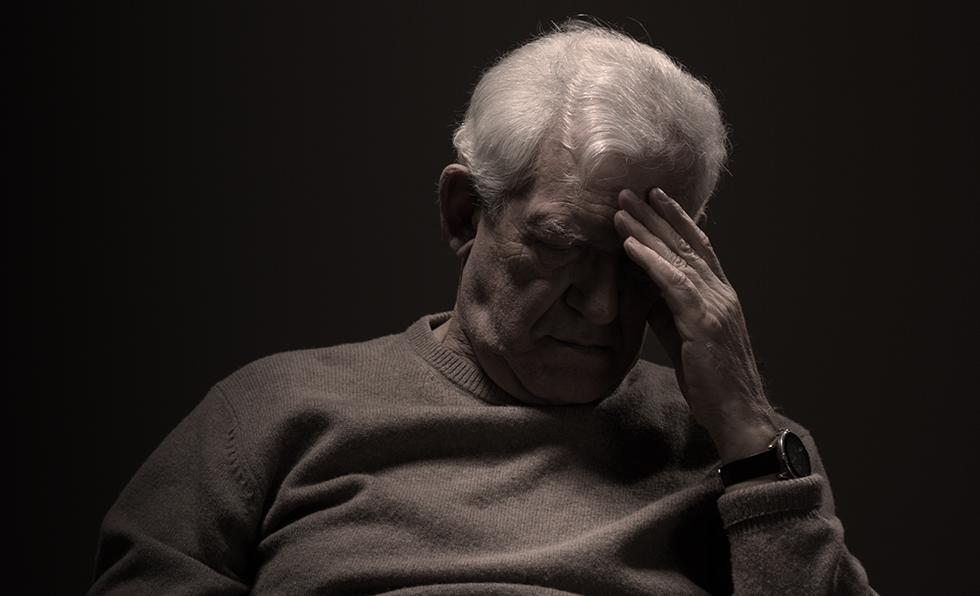 רושמים לקשישים תרופות נגד דיכאון בשגרה (צילום: שאטרסטוק) (צילום: שאטרסטוק)