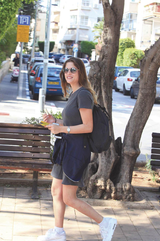 Израильская телеведущая и актриса Лирон Равиво