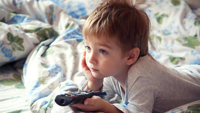 הילד במצב פסיבי  (צילום: shutterstock) (צילום: shutterstock)