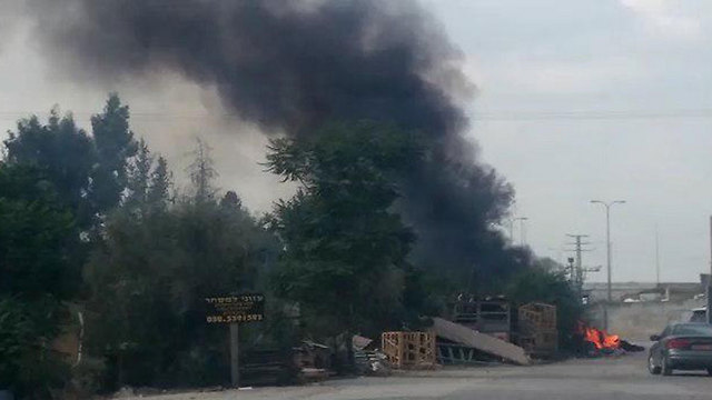 """שריפות באזור השרון (צילום: """"אזרחים למען אוויר נקי"""")"""