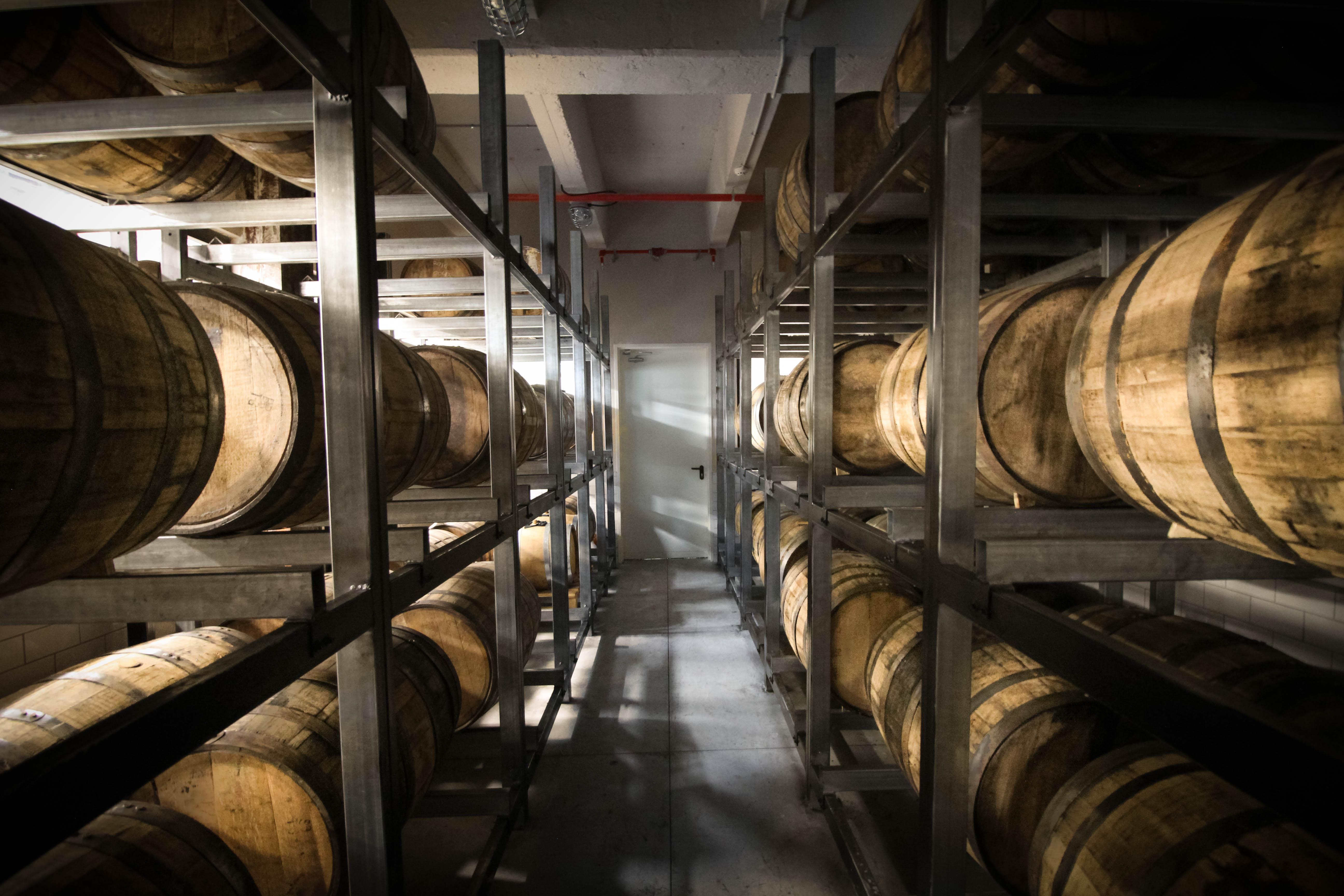 סיור במזקקת הוויסקי הראשונה - מילק אנד האני (צילום: ליאור גולדסאד)