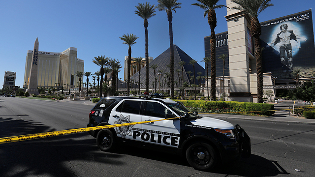 A nearly deserted Las Vegas Strip on the morning after the shooting (Photo: Reuters) (Photo: Reuters)